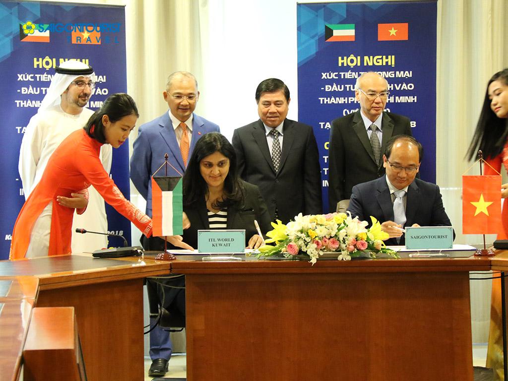 Lữ hành Saigontourist ký kết với đối tác ITL World Kuwait.